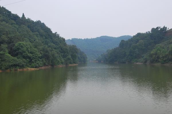 龚加堰水库风景区属原生态湿地自然景观